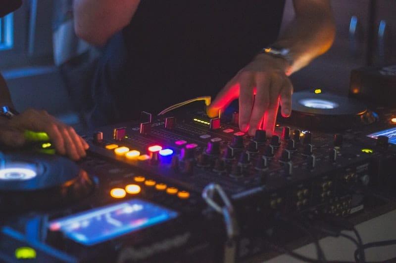 Meilleures idées d'affaires DJ-ing